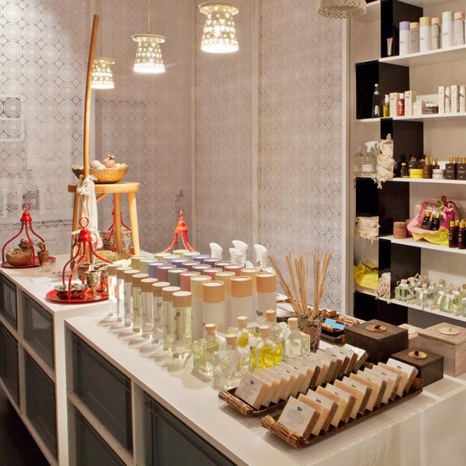4.03 Shops / Showrooms